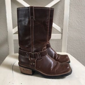 Sturdy girls brown boot size 3 youth